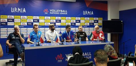 حرف های جالب سرمربی تیم ملی والیبال لهستان درباره پیاده روی چندساعته در ارومیه/ ویدیو