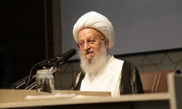 آیت الله مکارم شیرازی:جریمه تاخیر در بانک ها «ربا» و خلاف شرع است