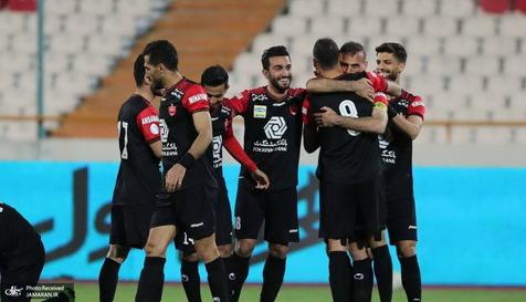 قهرمانی نیم فصل لیگ برتر ایران چند مدعی دارد؟
