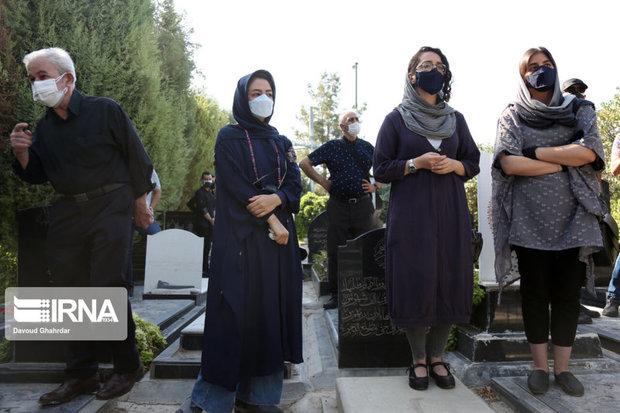 مراسم تشییع مهشاد کریمی و ریحانه یاسینی (59)