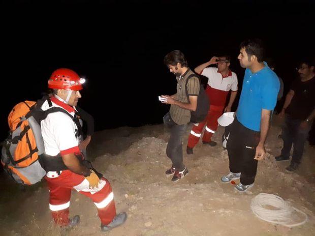 نجات زوج کوهنورد قزوینی در دره شیرز کوهدشت