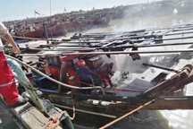 لنج صیادی در اروندکنار در آتش سوخت