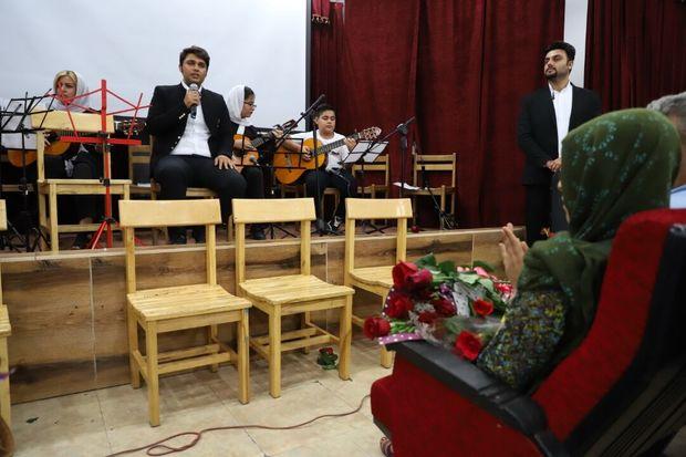 آرزوی ۲ کودک خوزستانی مبتلا به سرطان برآورده شد