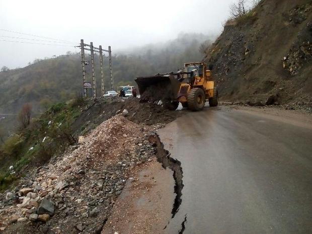 سیل اخیرا 7.7 میلیارد تومان به راههای شهرستان نور خسارت زد