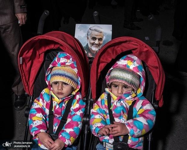 تصاویر منتشر شده در اینستاگرام نشریه تایم از ادای احترام مردم ایران به سپهبد شهید سلیمانی