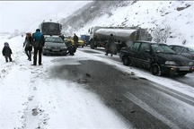 امدادرسانی به 300 خودروی گرفتار در برف در گردنه چری و بازفت
