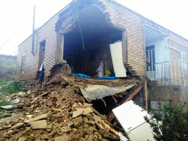 آوار دیوار تخریبی در کلاله جان کودک دو ساله را گرفت