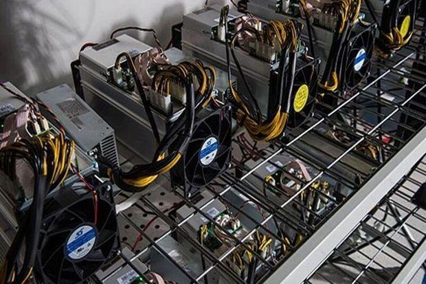 ۹۶ دستگاه استخراج ارز قاچاق در ابرکوه کشف شد