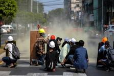 کودتاچیان میانمار مردم را به خاک و خون کشیدند