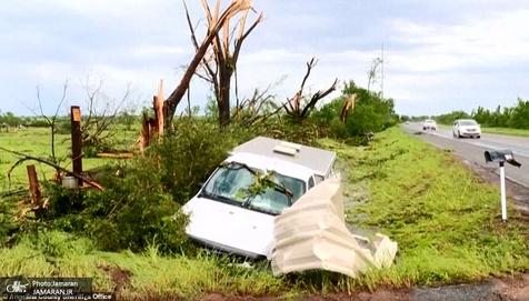 سقوط بیلبورد تبلیغاتی بر اثر طوفان در رامسر + فیلم