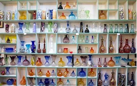 استاد شیشه گری ایران از رمز و راز هنرش می گوید/ میراثی که می تواند پولساز باشد!