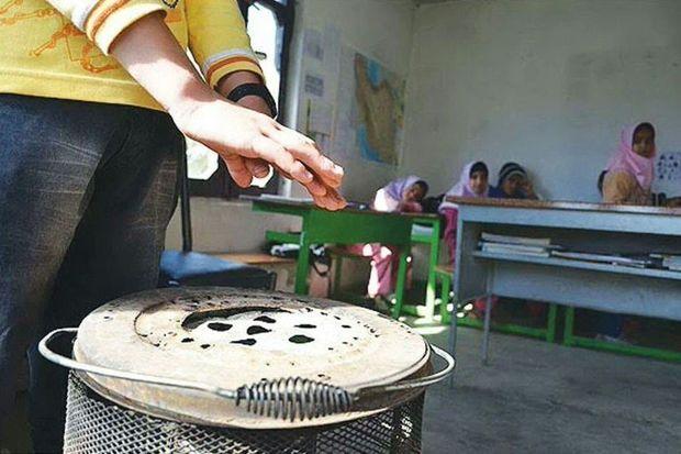 ۳۵ مدرسه در گنبدکاووس از بخاری نفتی استفاده میکنند