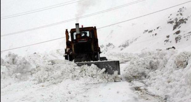 راه 226 روستای کردستان بر اثر بارش برف مسدود است