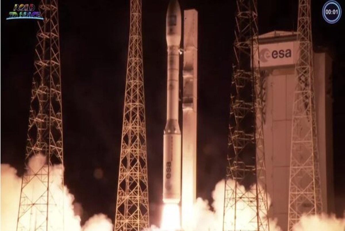آریان اسپیس ۵ ماهواره به مدار زمین برد