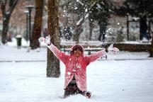 برف مدارس همدان را تعطیل کرد