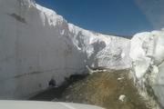 برف چند متری جاده اشنویه در بیستمین روز تابستان   عکس