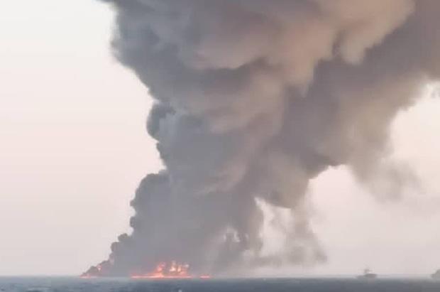 جزییات آتش سوزی در ناو خارک + تاریخچه