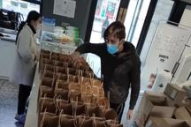 یک ایرانی برای کمک داوطلبانه به چینی ها در شهر ووهان ماند + تصاویر