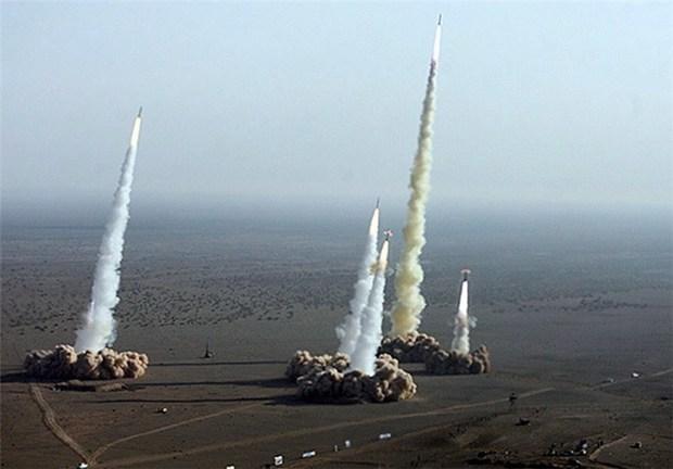 نشنال اینترست: ایران در جنگ احتمالی با آمریکا از موشکهایش استفاده خواهد کرد