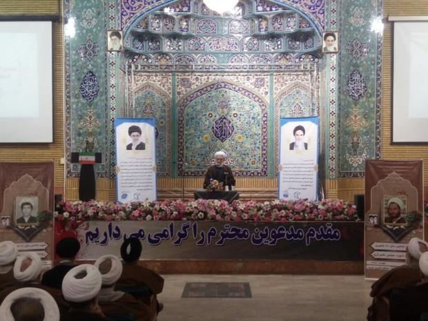 انقلاب اسلامی، ارمغان الهی برای جهان بشریت بود