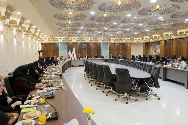 رونق اقتصاد اصفهان با ایجاد بندر خشک    منابع اتاق بازرگانی باید برای توسعه کسب و کار باشد