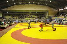 آغاز رقابت های کشتی بزرگسالان قهرمانی کشور در اصفهان