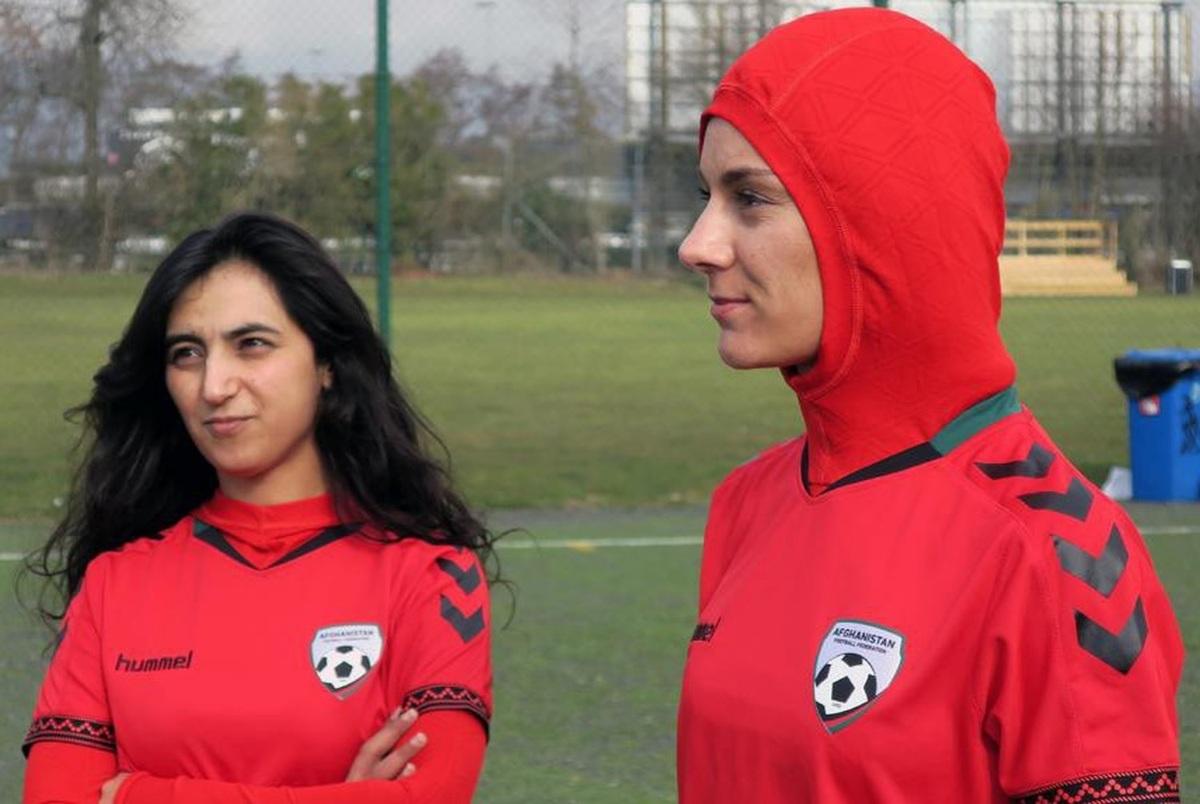 مارکا: چه بر سر زنان ورزشکار افغان میآید؟ +عکس