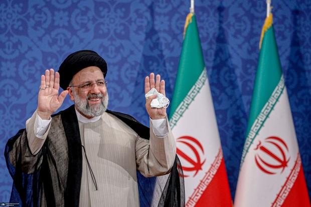 رییسی با اولین مدال آور ایران در المپیک توکیو تماس گرفت