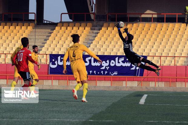 صعود تیم فوتبال ۹۰ ارومیه به لیگ برتر دور از دسترس نیست