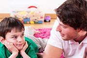 زمان زیادی برای گوش کردن به صحبتهای فرزندان بگذاریم