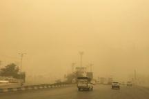 رانندگان به علت گرد و خاک در یزد با احتیاط حرکت کنند