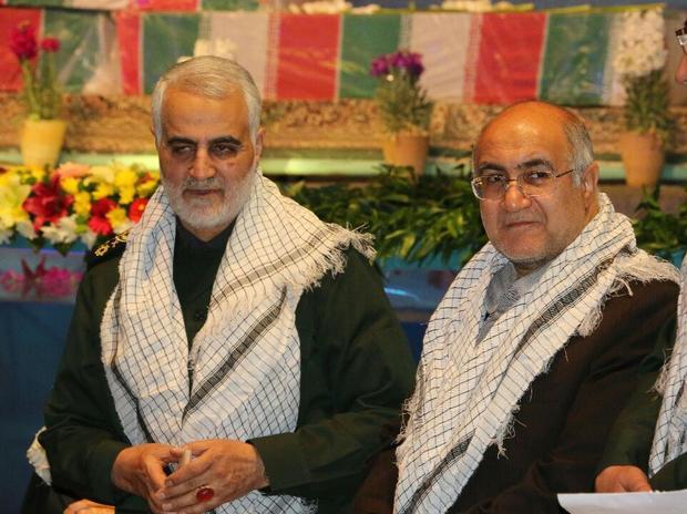 استاندار کرمان دریافت نشان افتخار ذوالفقار را به سردار سلیمانی تبریک گفت