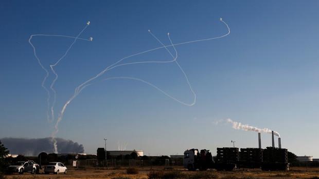 تلفات سنگین اشغالگران؛هلاکت 2 صهیونیست و زخمی شدن 14 نفر در حمله موشکی مقاومت فلسطین