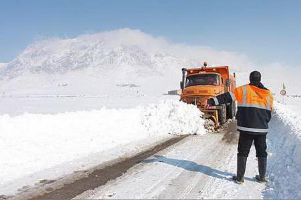 راه 15 روستای آذربایجان غربی همچنان بسته است