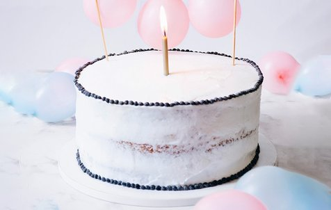 آموزش تصویری تهیه کیک اسفنجی و تزئین خامه ای