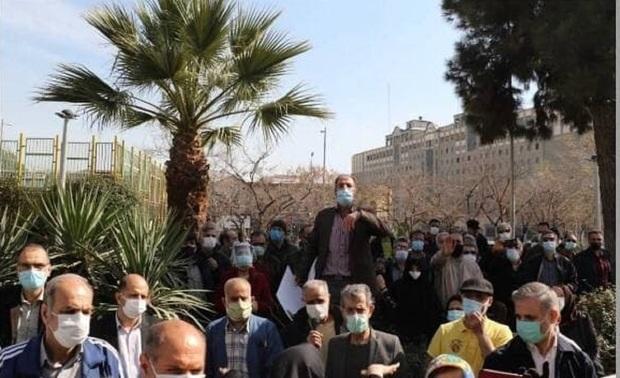 تجمع بازنشستگان تامین اجتماعی در مقابل سازمان برنامه و بودجه کشور + عکس